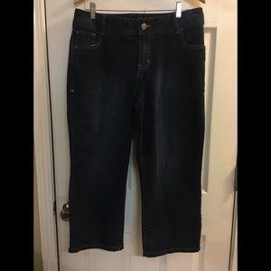 Lane Bryant jean capris size 14 Genius Fit